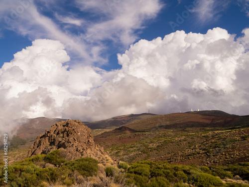 Tuinposter Canarische Eilanden Wolken im Gebirge Teneriffas