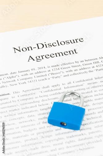 Non Disclosure Agreements | Non Disclosure Agreement Document With Padlock Kaufen Sie Dieses