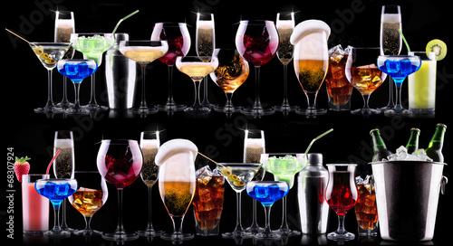 Foto op Plexiglas Bar different alcohol drinks set
