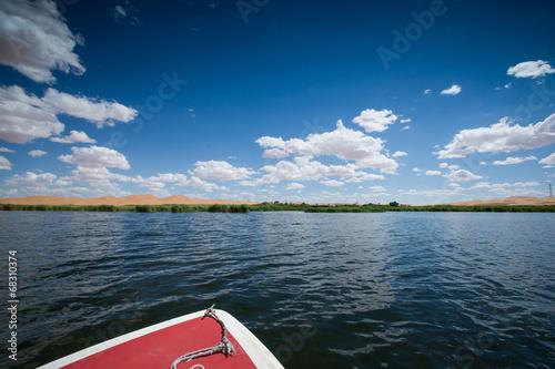 Foto  desert and lake scenery,Inner Mongolia,china