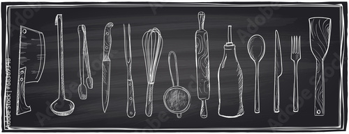 Fotomural  Hand drawn set of kitchen utensils on a chalkboard.
