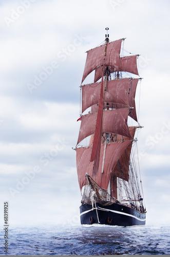 Black schooner - 68391925