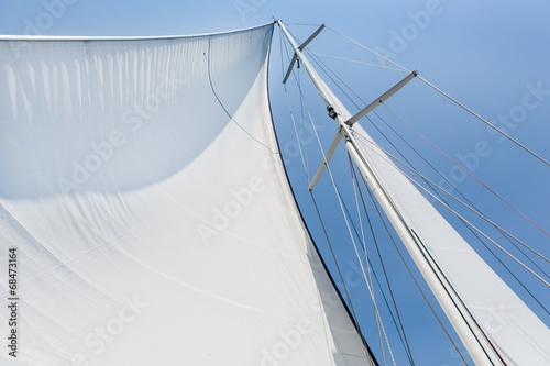 Fotografia  Big white sail hoisted