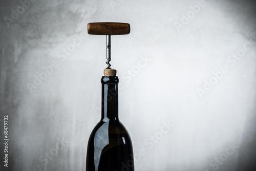 Fotomural  Bottle wine corkscrew