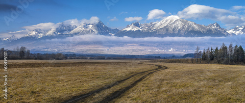 Photo  autumn view to high Tatry in Slovakia
