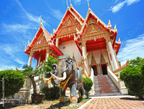 Staande foto Temple Elephant statue at Thai temple
