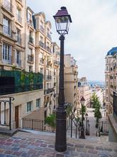 Strassenszene Am Montmartre In...