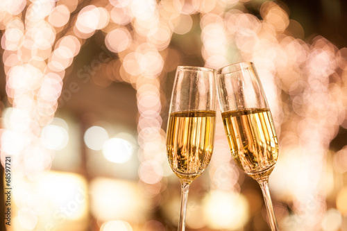 Photo シャンパンで乾杯