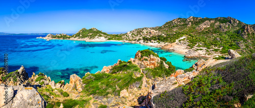 Photo  Beautiful coastline beach panorama in Maddalena islands, Italy