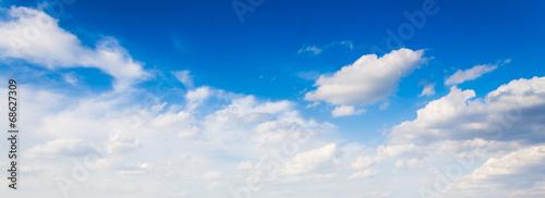 Fototapeta premium tło błękitnego nieba z chmurami