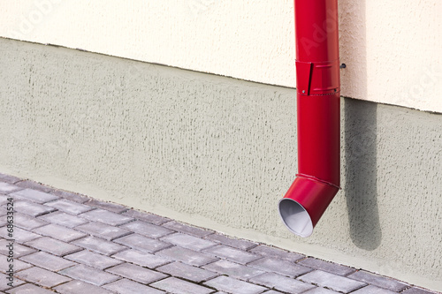 Valokuva  Red drainpipe