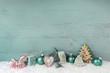 Weihnachtskarte in mintgrün dekoriert mit Lebkuchen