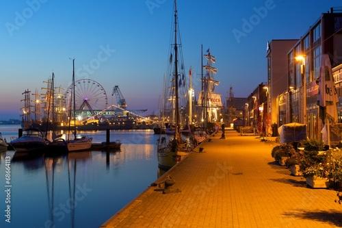 Fotomural  Hansestadt Rostock am frühen Morgen