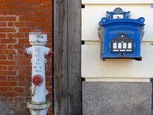 Hydrant Und Briefkasten, Eutin / Schleswig-Holstein