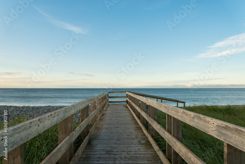 Foto op Aluminium Strand Boardwalk on beach