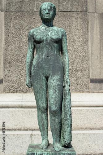 Photo  Stående kvinde med draperi skulptur Ny Carlsberg Glyptotek