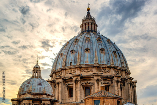 Photo Dome of St Peter's Basilica (San Pietro) in Vatican City, Rome, Italy