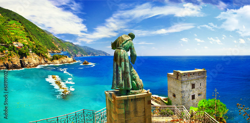 Photo sur Toile Ligurie Italian holidays - panorama of Monterosso al mare (Liguria)