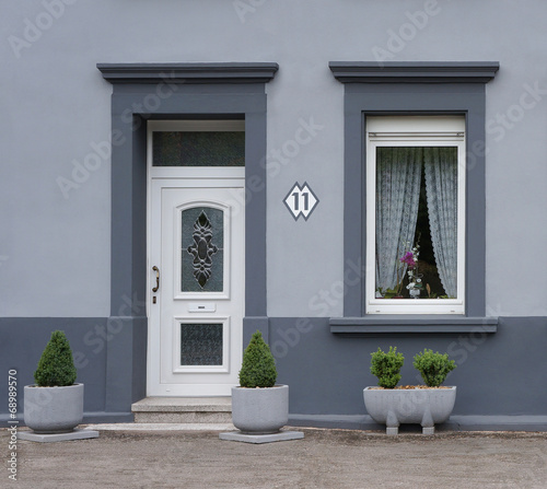 Modernisierte Fassade In Grau Buy This Stock Photo And Explore