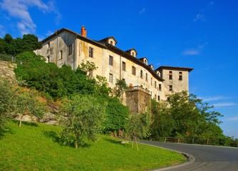 Fototapeta na wymiar Settimo Vittone Burg - Settimo Vittone castle 01