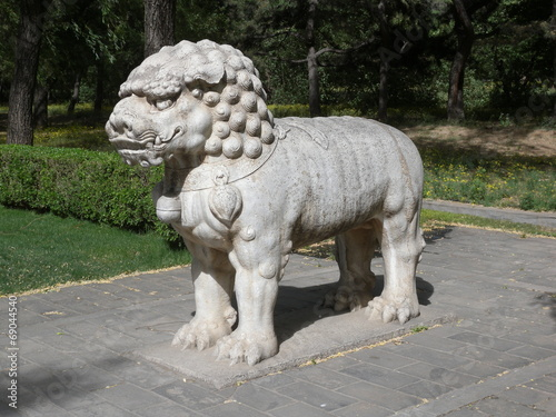 Foto op Aluminium Beijing Löwe an den Ming Gräbern