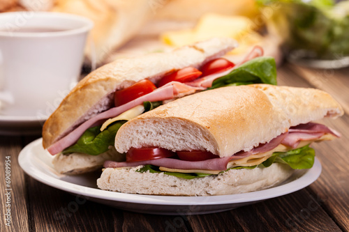Staande foto Snack Panini sandwich with ham, cheese and tomato