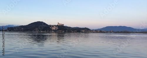 Fotografija  lago maggiore e angera
