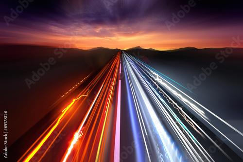Fotografía  Senderos de Luz de tráfico rápido