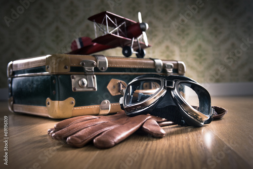Obraz na plátně Vintage aviator equipment