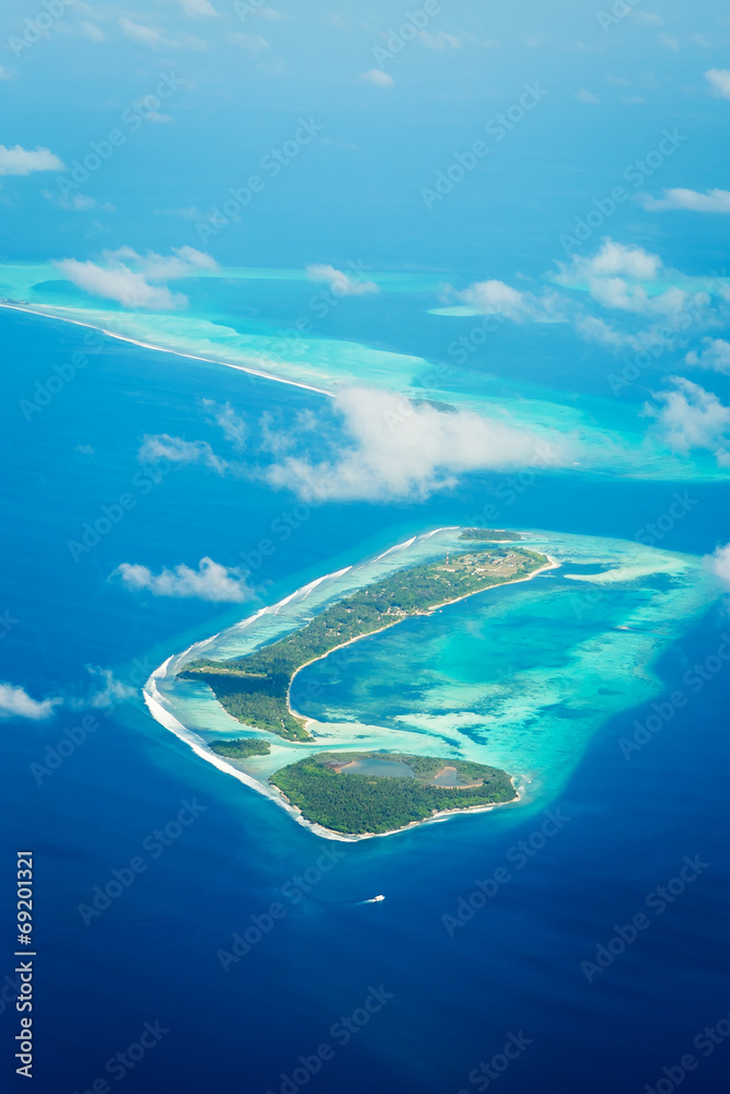 Fototapeta Maldives, view from the airplane