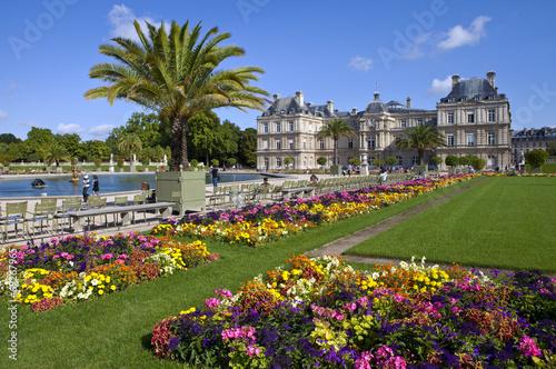 Obraz na plátně Luxembourg Palace in Jardin du Luxembourg in Paris