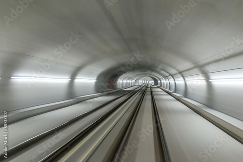 Canvas Print Real tunnel with high speed