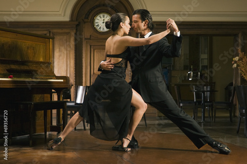 Fotografie, Obraz  Young couple dancing
