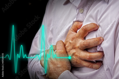 Obraz na płótnie Men with chest pain - heart attack