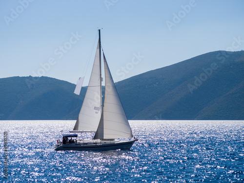 Fotografia  Sailing yacht in Lefkada Greece