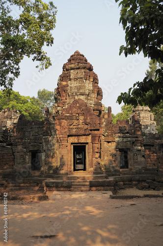 Foto  Утро у старинного буддийского храма. Камбоджа