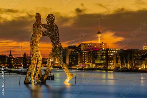 Photo  Molecule Man