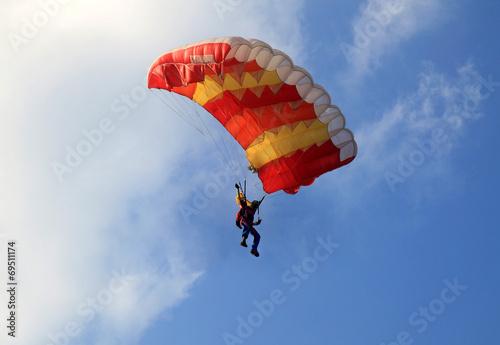 Fotografie, Obraz  Paracadute giallo e rosso