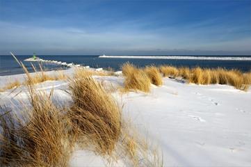 Fototapeta Inspiracje na zimę krajobraz morski, zimowa wydma