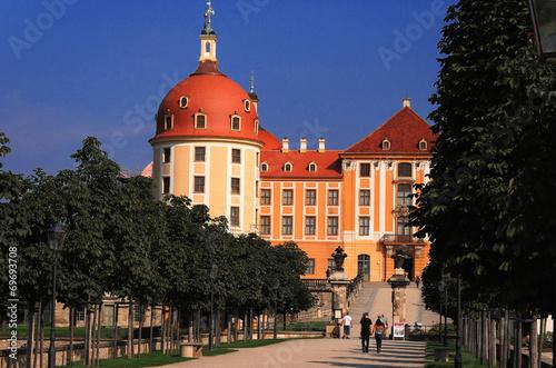 Photo  Allee vor der Moritzburg