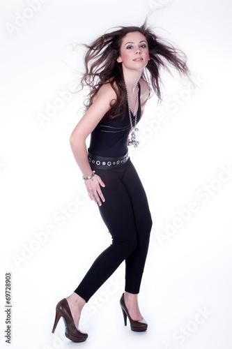 Junge Hübsche Frau Mit Langen Haaren Posiert Im Studio Buy This