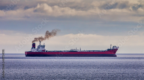 Red Oil Tanker Canvas-taulu