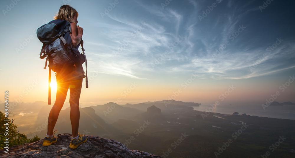 Fototapety, obrazy: Hiker