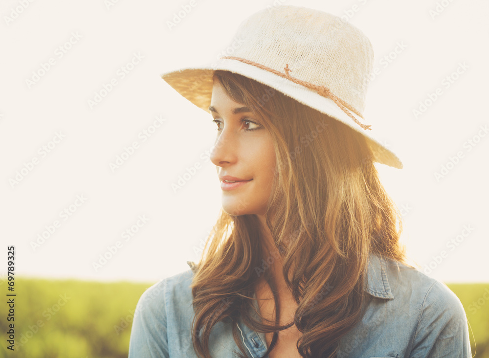 Fototapety, obrazy: Portrait of Beautiful Young Woman