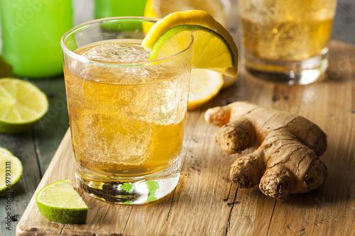Fotografie, Obraz  Organický Ginger Ale Soda