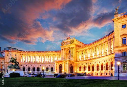 Fotografie, Obraz Vienna Hofburg Imperial Palace at night, - Austria