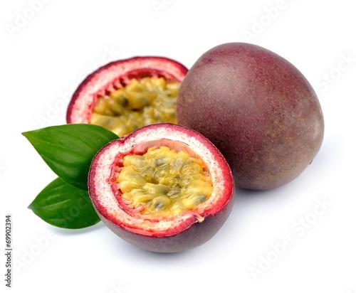 Keuken foto achterwand Vruchten Maracuya fruits on white background.