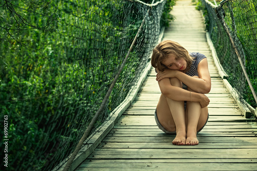 Fotografia, Obraz  Одинокая девушка на мосту