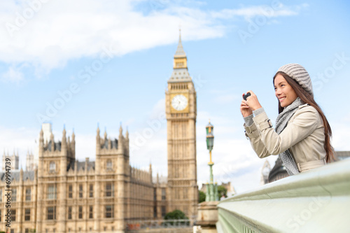 Foto op Canvas Londen Travel tourist in london sightseeing taking photos
