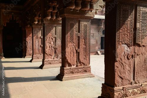 Fotografie, Obraz  Pillars at Fort Agra in India